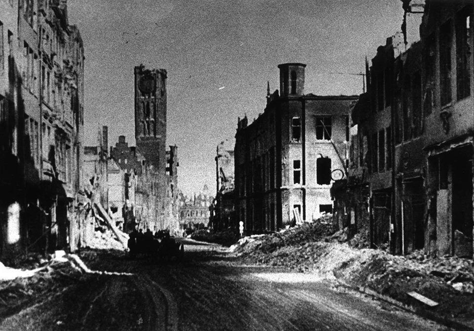 Zniszczony Gdańsk, 1945 r. (fot. ze strony Facebookowej Gdańsk, Strefa Prestiżu).