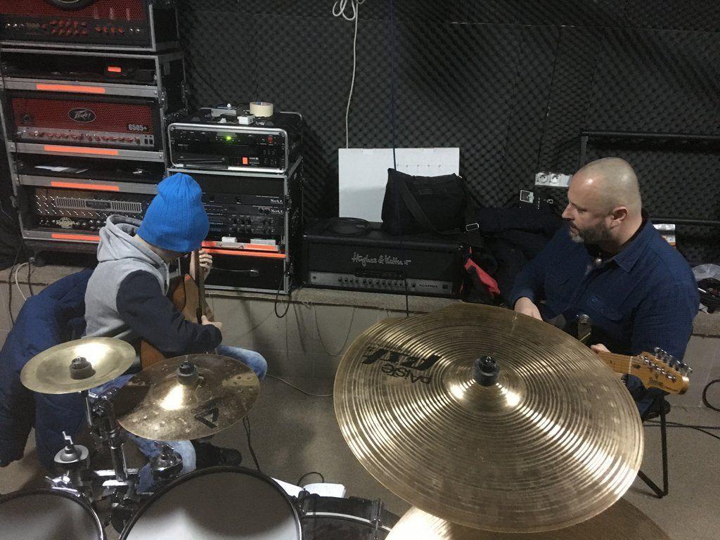 Zajęcia w gitarowej szkółce Michała Kusza