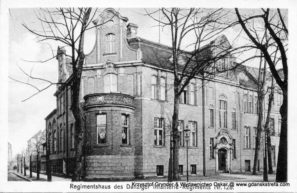 Kasyno_128PP Budynek kasyna 128. Gdańskiego Pułku Piechoty, zbudowany w latach 1908-1909. Widok od Długich Ogrodów.
