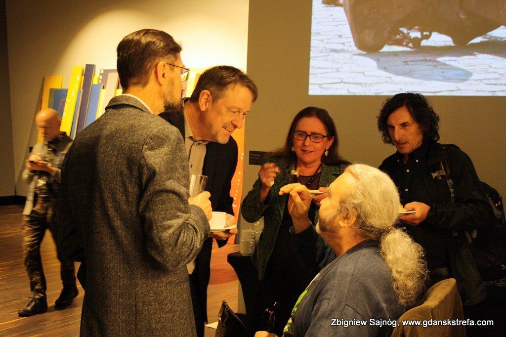 Antoni Kozłowski w rozmowie z Danielem Bourne poetą, tłumaczem, profesorem na wydziale literatury w Wooster Collage, Ohio.